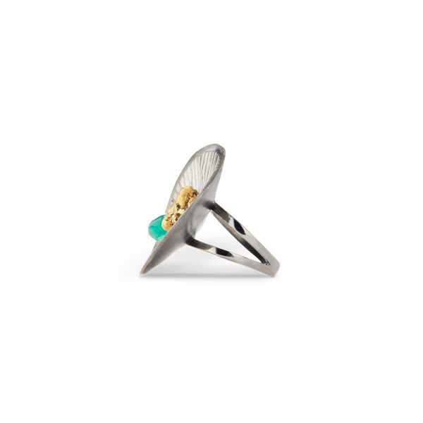 Batea Ring with Emerald